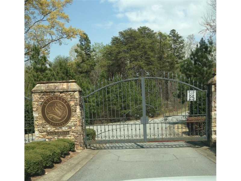 8445 Lyonesse Drive, Gainesville, GA 30506 (MLS #5215325) :: North Atlanta Home Team