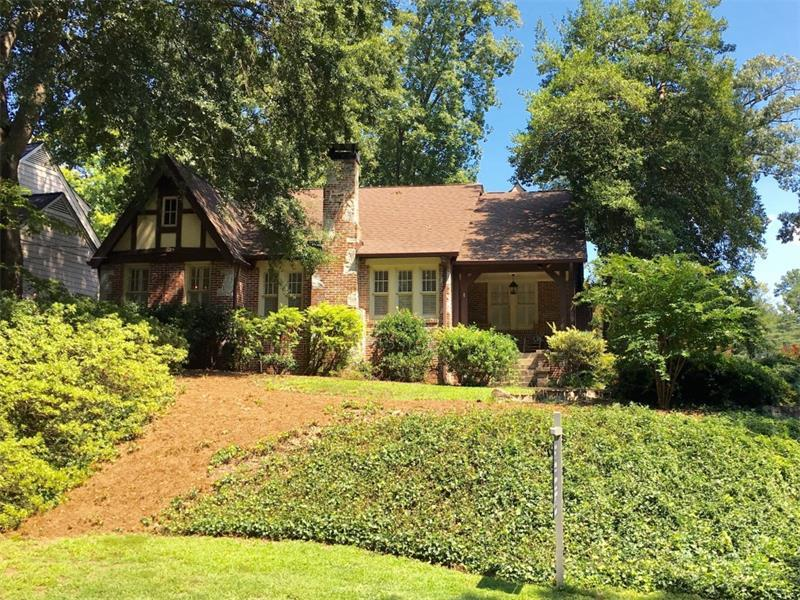 2727 N Hills Drive NE, Atlanta, GA 30305 (MLS #5677040) :: North Atlanta Home Team