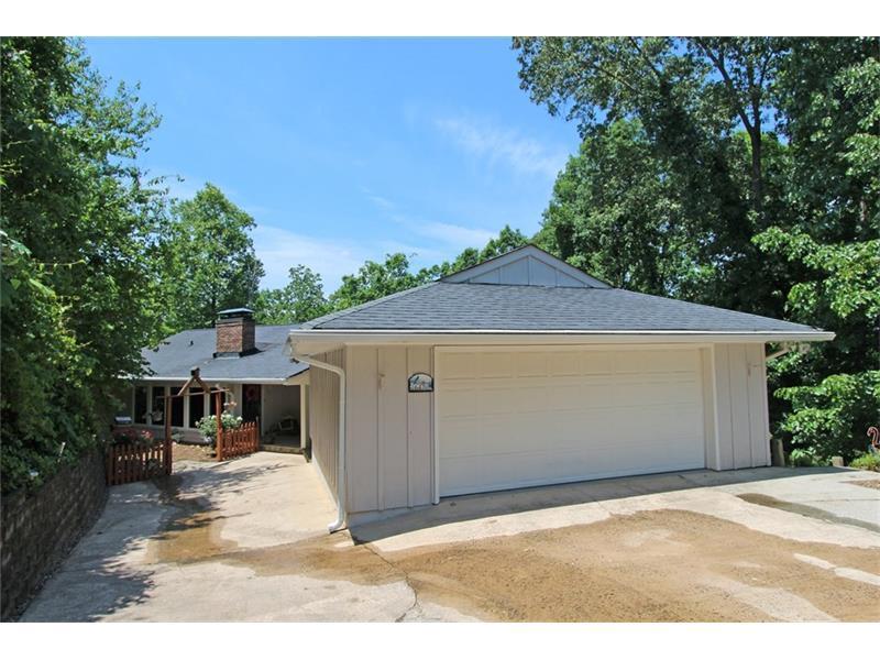 6470 Barberry Hill Drive, Gainesville, GA 30506 (MLS #5688266) :: North Atlanta Home Team