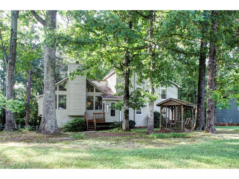 184 W Putnam Ferry Road, Woodstock, GA 30189 (MLS #5699527) :: North Atlanta Home Team