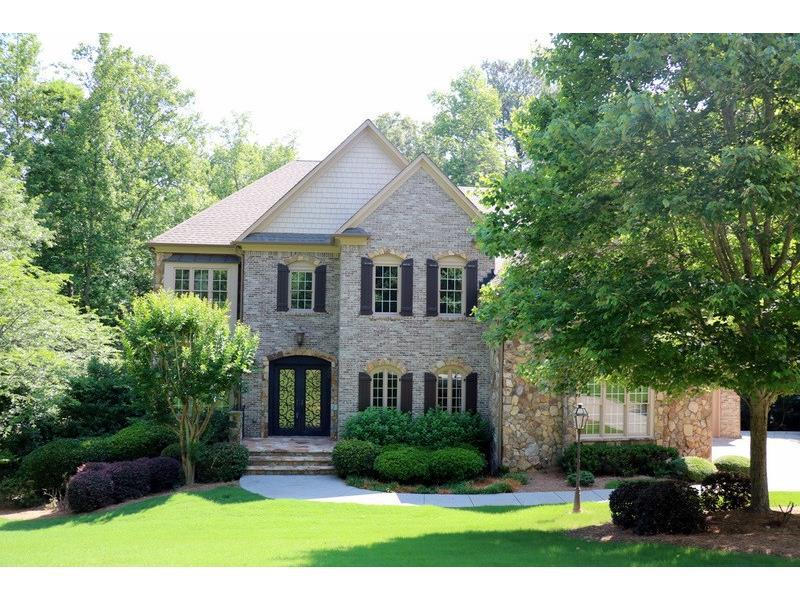 215 Blackrock Trace, Alpharetta, GA 30004 (MLS #5701244) :: North Atlanta Home Team