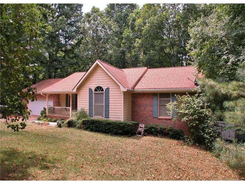 5714 Pipsissewa Drive, Flowery Branch, GA 30542 (MLS #5717352) :: North Atlanta Home Team