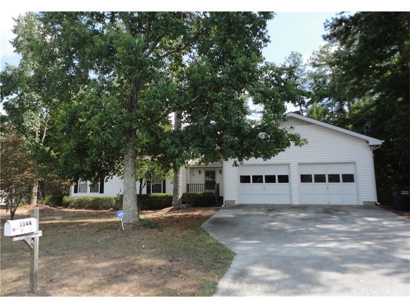 3044 Ashly Forest Drive, Snellville, GA 30078 (MLS #5718020) :: North Atlanta Home Team