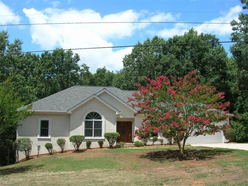 2940 Thompson Mill Road, Gainesville, GA 30506 (MLS #5718856) :: North Atlanta Home Team