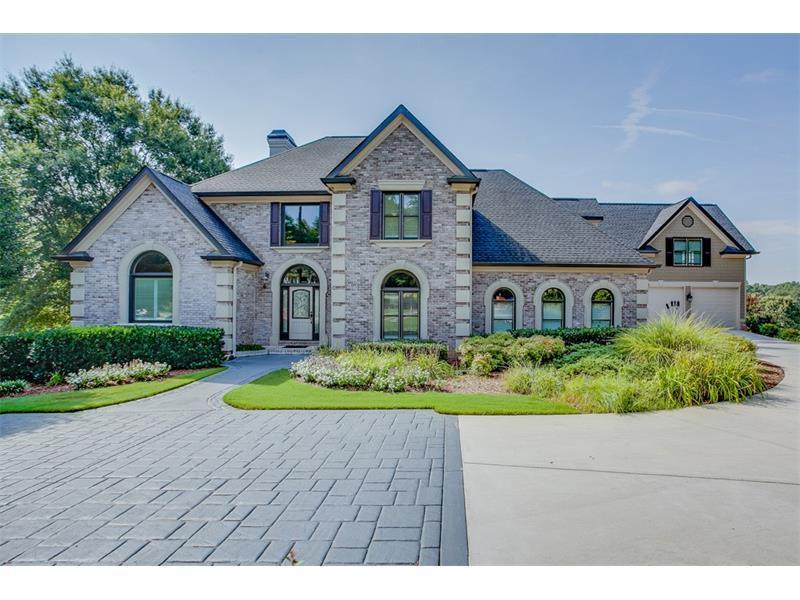 5675 Golf Club Drive, Braselton, GA 30517 (MLS #5727133) :: North Atlanta Home Team