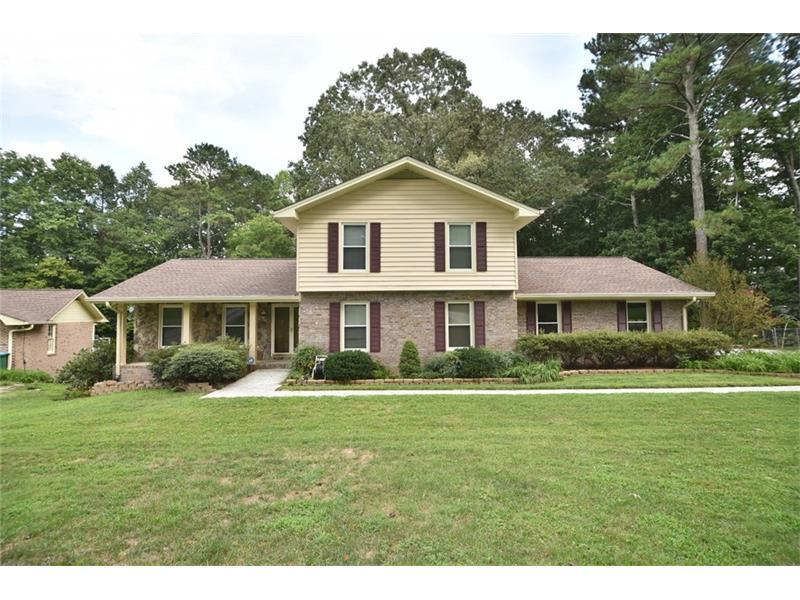 3928 Valley Park Drive SW, Lilburn, GA 30047 (MLS #5734060) :: North Atlanta Home Team