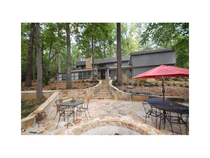 159 Lakeshore Drive, Berkeley Lake, GA 30096 (MLS #5734610) :: North Atlanta Home Team