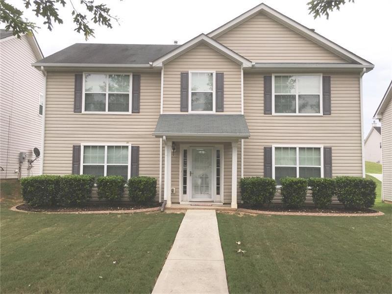 6742 Lake Erie Lane, Fairburn, GA 30213 (MLS #5735394) :: North Atlanta Home Team
