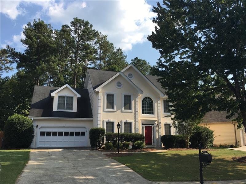 3082 Oaktree Lane, Duluth, GA 30096 (MLS #5738528) :: North Atlanta Home Team