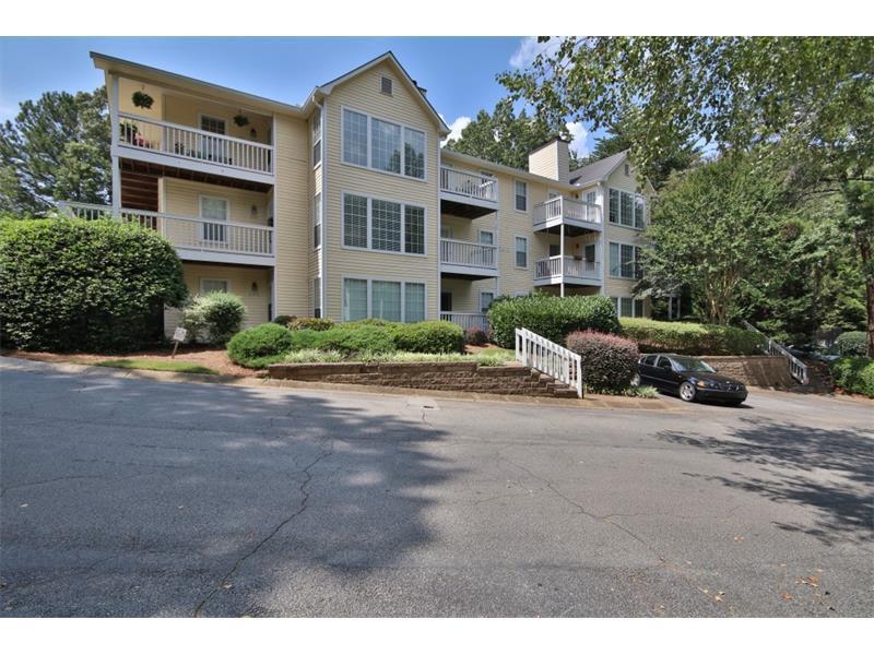 203 Gettysburg Place, Sandy Springs, GA 30350 (MLS #5740374) :: North Atlanta Home Team