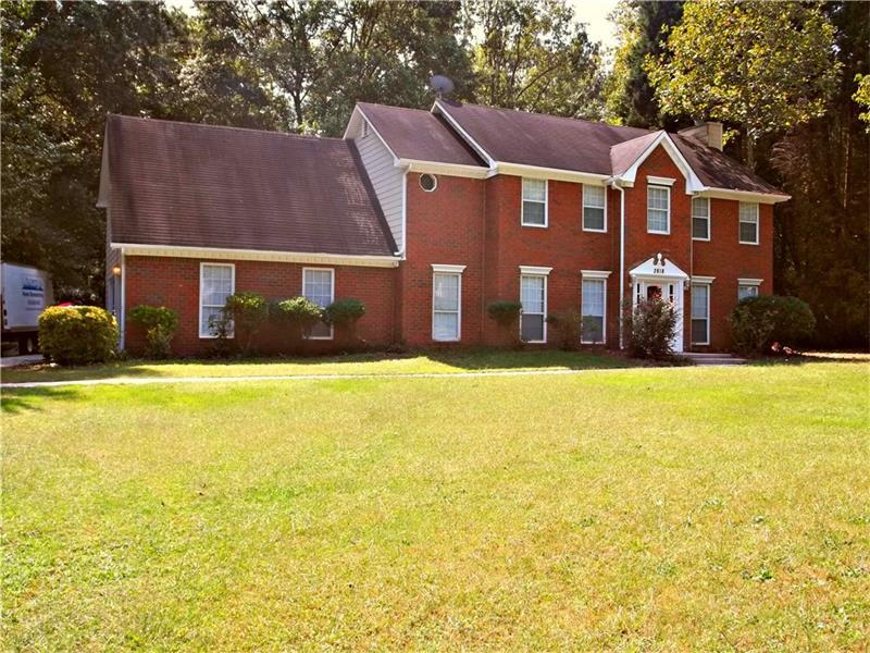 2818 Brookwest Drive SW, Marietta, GA 30064 (MLS #5743216) :: North Atlanta Home Team