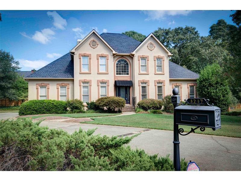 3237 SE Waldwick Way SE, Marietta, GA 30067 (MLS #5745890) :: North Atlanta Home Team