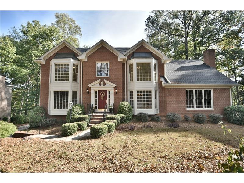 5045 Roxburgh Drive, Roswell, GA 30076 (MLS #5746561) :: North Atlanta Home Team