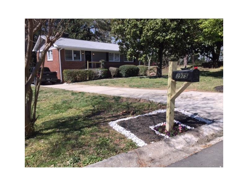 3975 Adamsville Drive SW, Atlanta, GA 30331 (MLS #5748555) :: North Atlanta Home Team