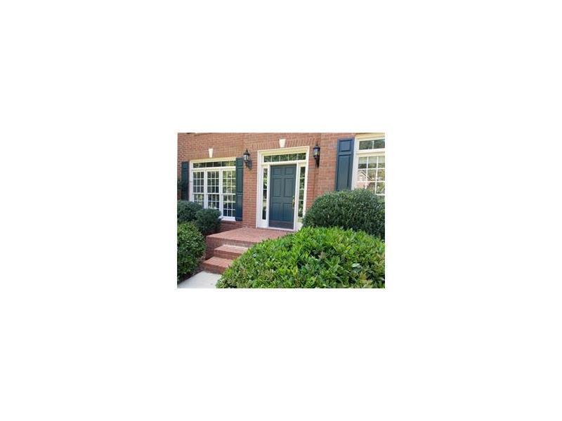 208 Forestview Drive, Suwanee, GA 30024 (MLS #5751129) :: North Atlanta Home Team