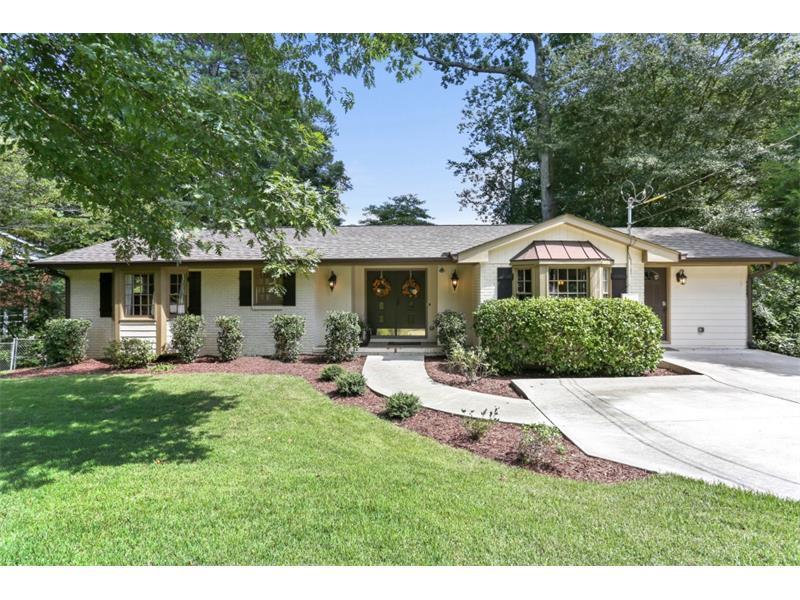6825 Sunny Brook Lane, Sandy Springs, GA 30328 (MLS #5751462) :: North Atlanta Home Team