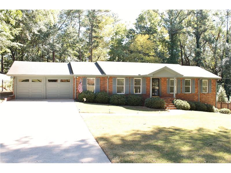 955 Melody Lane, Roswell, GA 30075 (MLS #5752085) :: North Atlanta Home Team