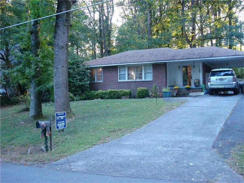 224 Sourwood Drive, Marietta, GA 30062 (MLS #5757555) :: North Atlanta Home Team