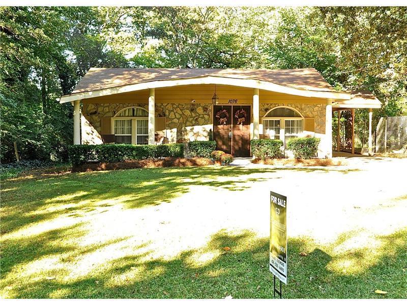 1076 Wedgewood Drive NW, Atlanta, GA 30318 (MLS #5757826) :: North Atlanta Home Team