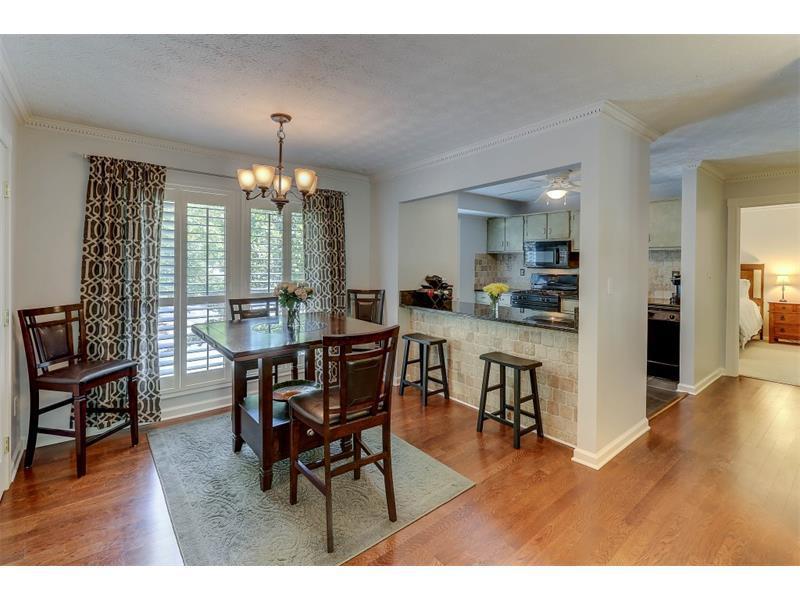 1702 Woodcliff Drive #1702, Sandy Springs, GA 30350 (MLS #5759850) :: North Atlanta Home Team
