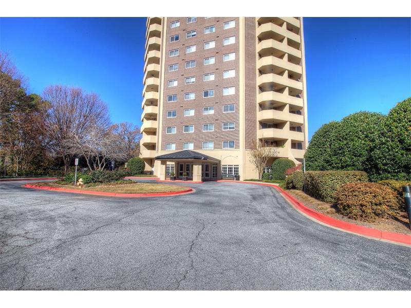 1501 Clairmont Road #1423, Decatur, GA 30033 (MLS #5760925) :: North Atlanta Home Team