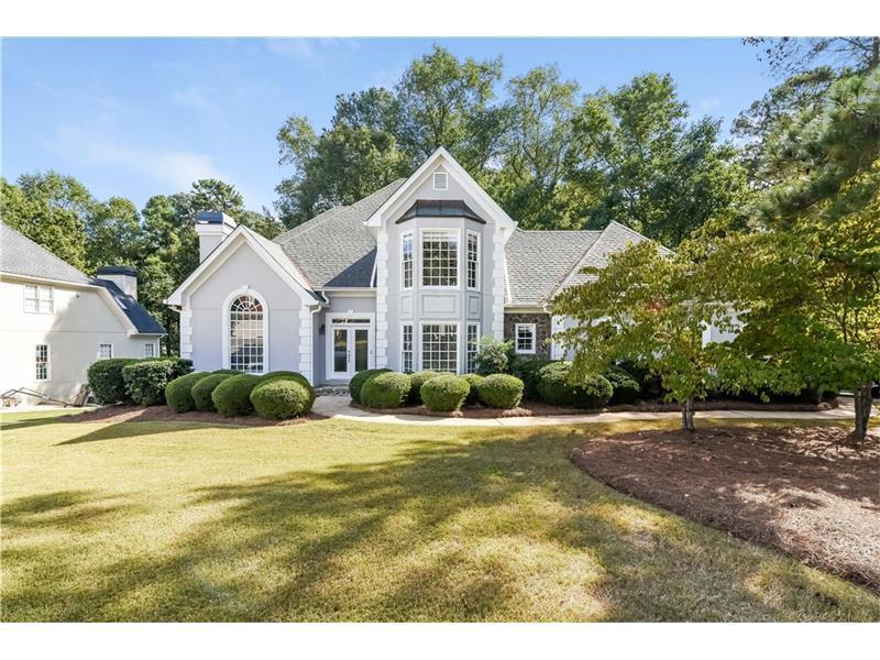 8365 Riverbirch Drive, Roswell, GA 30076 (MLS #5761348) :: North Atlanta Home Team