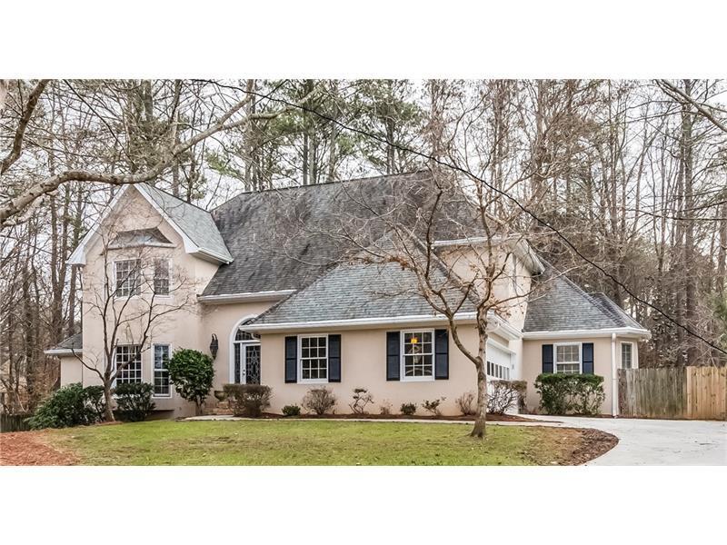 5015 Magnolia Bluff Drive, Sandy Springs, GA 30350 (MLS #5789390) :: Carrington Real Estate Services