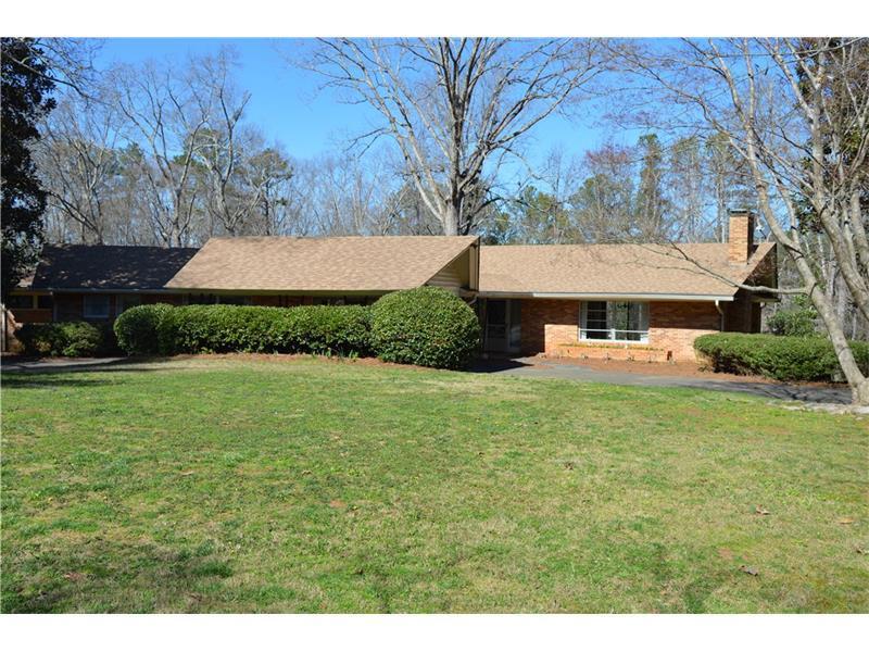 591 Sunset Drive, Canton, GA 30114 (MLS #5803739) :: Carrington Real Estate Services