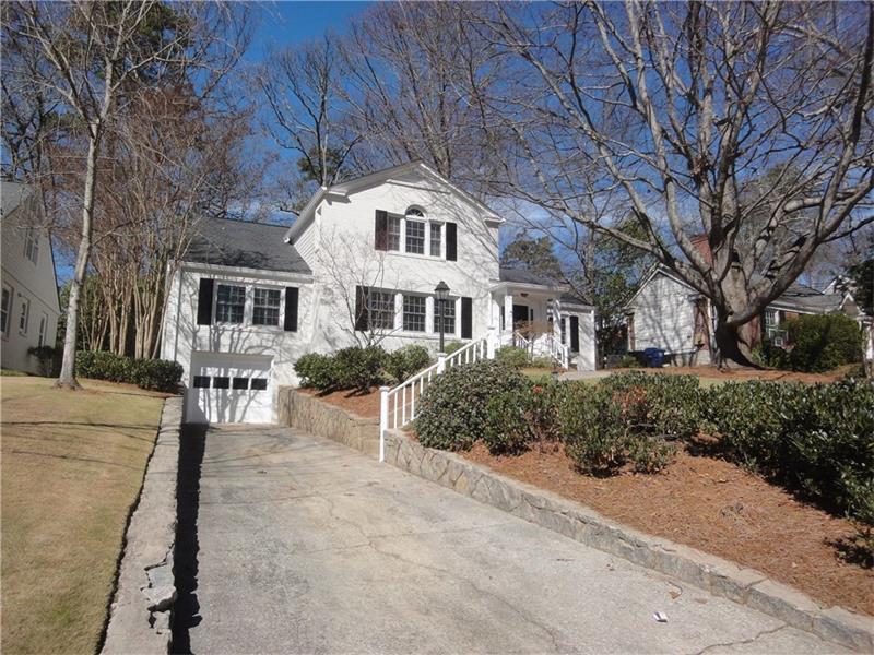 2662 Birchwood Drive NE, Atlanta, GA 30305 (MLS #5810494) :: Carrington Real Estate Services