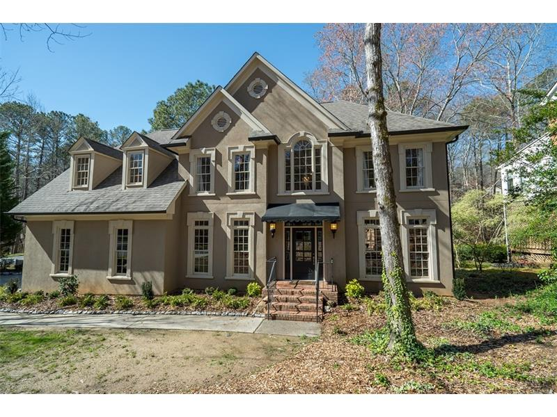 305 Highlands Trace, Roswell, GA 30075 (MLS #5816971) :: Carrington Real Estate Services