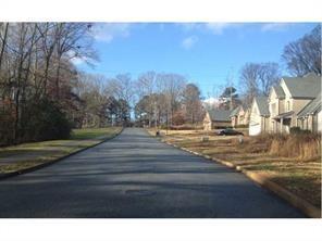 935 Valley Creek Drive, Stone Mountain, GA 30083 (MLS #5933605) :: RE/MAX Paramount Properties
