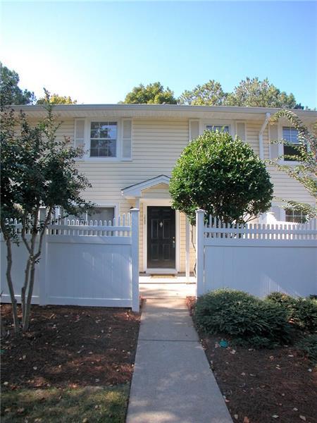 1632 Raleigh Circle, Marietta, GA 30067 (MLS #5964702) :: North Atlanta Home Team