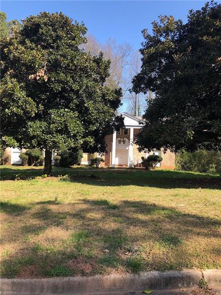 1000 Clementstone Drive, Atlanta, GA 30342 (MLS #5965600) :: RE/MAX Paramount Properties
