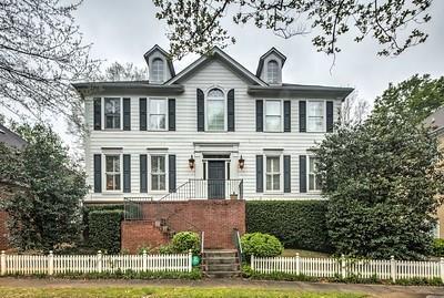 3185 Weston Place NW, Atlanta, GA 30327 (MLS #5983165) :: Carr Real Estate Experts