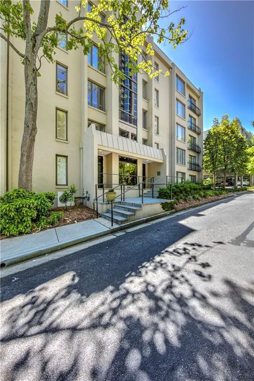 2769 Peachtree Road NE #5, Atlanta, GA 30305 (MLS #6007903) :: Kennesaw Life Real Estate