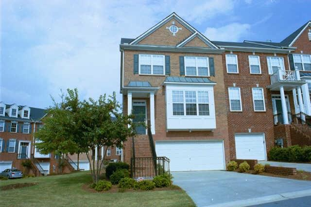 401 SE Iona Abbey Court #401, Smyrna, GA 30082 (MLS #6015234) :: North Atlanta Home Team