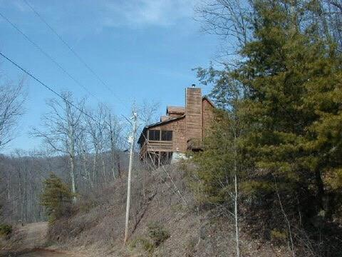 3726 Brushy Top Road, Ellijay, GA 30540 (MLS #6018343) :: RE/MAX Paramount Properties