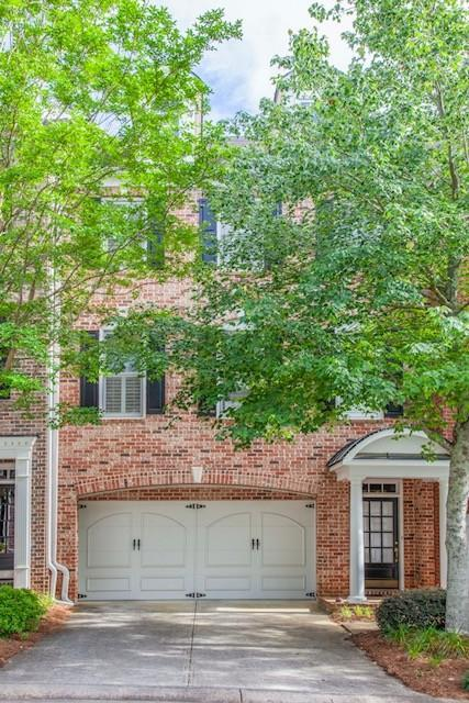 4605 Village Green Drive, Roswell, GA 30075 (MLS #6043947) :: North Atlanta Home Team