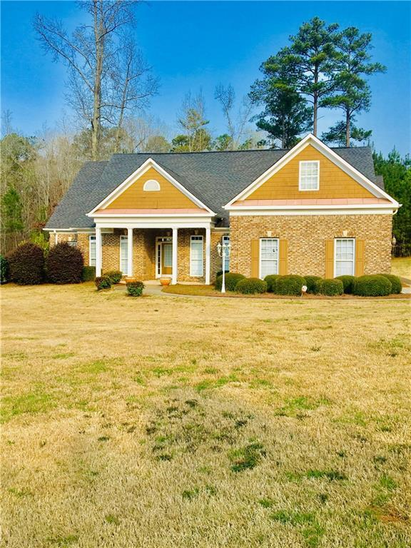 2112 Crest Wood Drive, Conyers, GA 30094 (MLS #6522191) :: The Cowan Connection Team