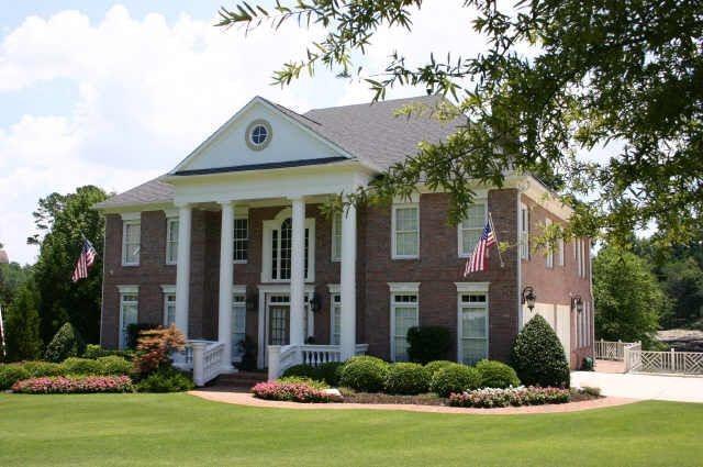 422 Grand Avenue, Suwanee, GA 30024 (MLS #6526163) :: Iconic Living Real Estate Professionals
