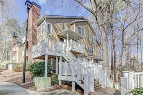 2204 River Heights Court SE, Marietta, GA 30067 (MLS #6539860) :: The Hinsons - Mike Hinson & Harriet Hinson