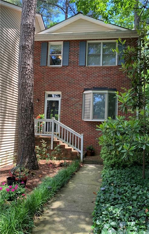 1295 Minhinette Drive, Roswell, GA 30075 (MLS #6551813) :: Iconic Living Real Estate Professionals