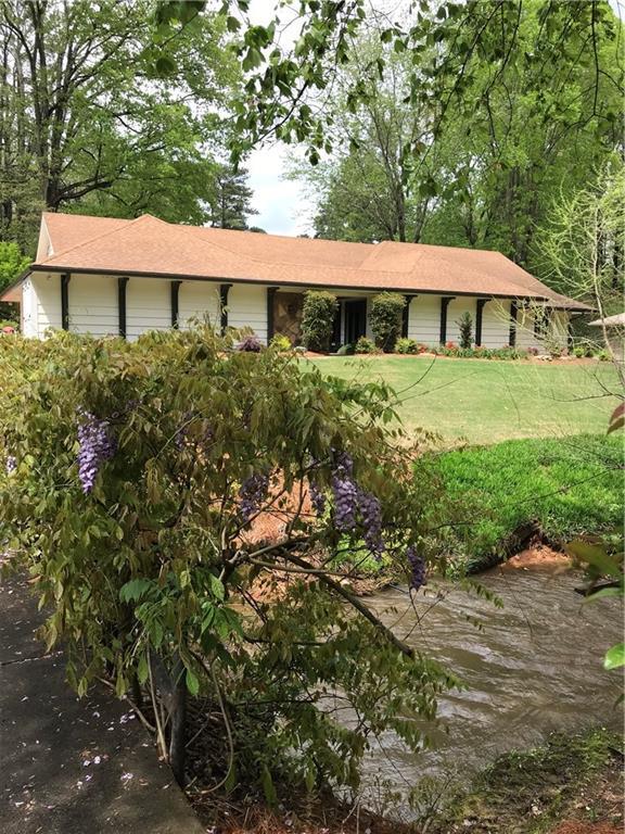 1185 Oakhaven Drive, Roswell, GA 30075 (MLS #6578501) :: Rock River Realty