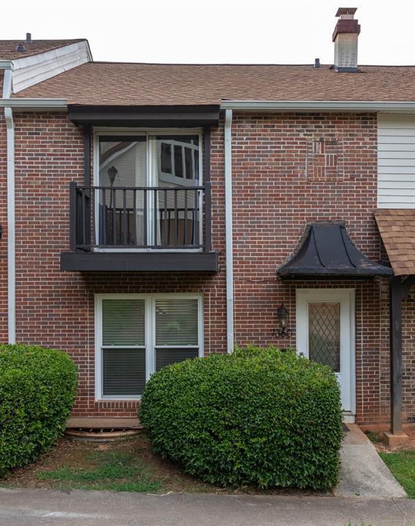 7360 Cardigan Circle, Atlanta, GA 30328 (MLS #6582156) :: The Zac Team @ RE/MAX Metro Atlanta