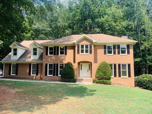 105 Largo Circle, Fayetteville, GA 30214 (MLS #6607123) :: North Atlanta Home Team