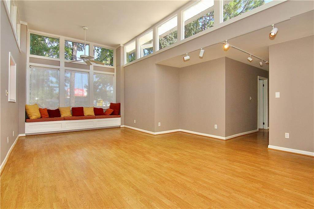 4300 Roswell Road - Photo 1