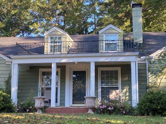 2355 Ridgeway Avenue, College Park, GA 30337 (MLS #6795187) :: Dillard and Company Realty Group