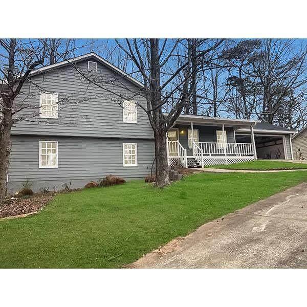 5225 Oaks Landing Court, Sugar Hill, GA 30518 (MLS #6840744) :: Tonda Booker Real Estate Sales