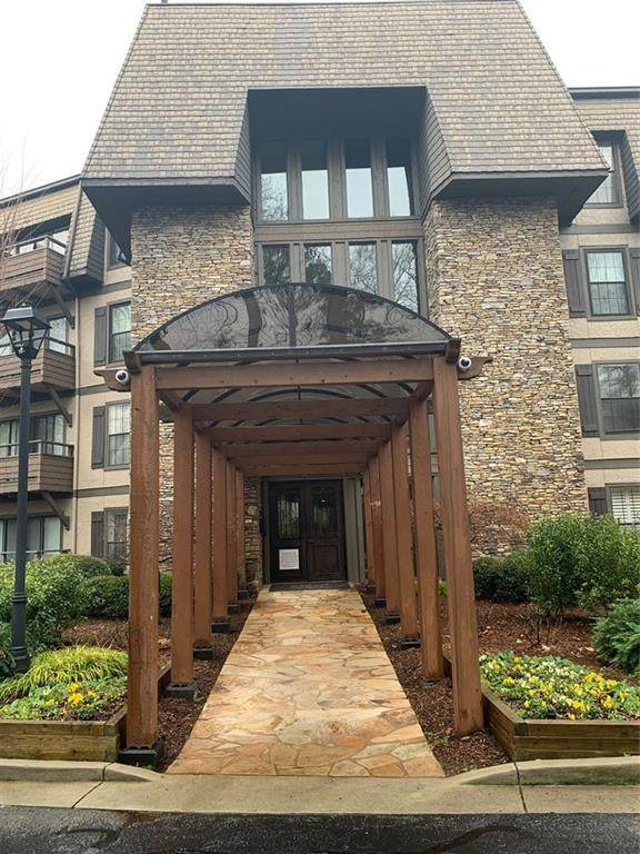 1405 Highland Bluff Drive SE #405, Atlanta, GA 30339 (MLS #6841071) :: North Atlanta Home Team