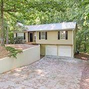 5957 Warpath Road, Flowery Branch, GA 30542 (MLS #6883668) :: North Atlanta Home Team